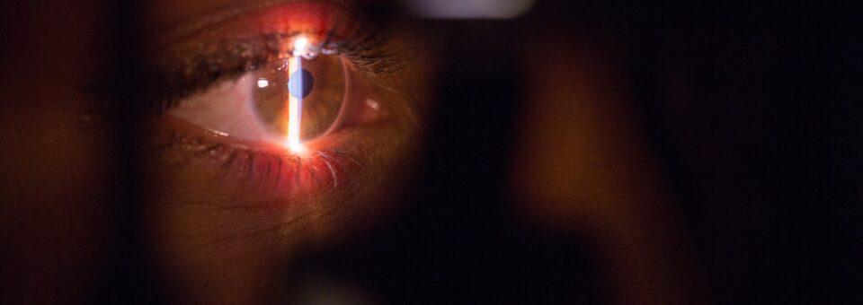 O uso incorreto de antibióticos e os problemas oculares
